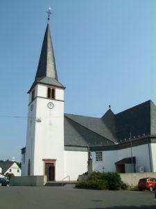 Manderscheid Lebensbaumkirche