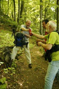 Wanderpause im Wald in Bad Endbach