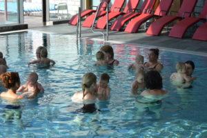 Baby Schwimmen in der Vitaltherme St. Blasien